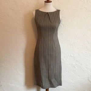 Dresses & Skirts - Vintage inspired sheath dress. Size medium.